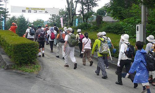 栗山ふるさとサマーウォーク2012 みんなで楽しく歩く