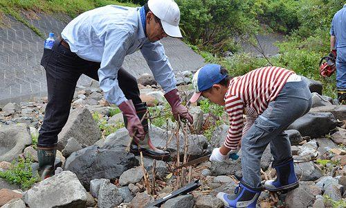 多くのファンに支えられる土呂部ボラ。第3弾は河川清掃  <9/2(日) レポート>