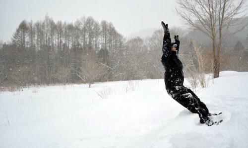 【湯西川温泉かまくら祭】スノーシュー体験が人気!ふつうの雪景色が、特別に変わる