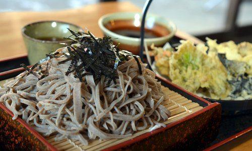 「食事処やしお」ユニークなマタギ店主 めずらしい山の天ぷらにも注目