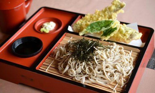 家康の里「そば処瀬戸合峡」岩魚の天ぷらがおすすめ