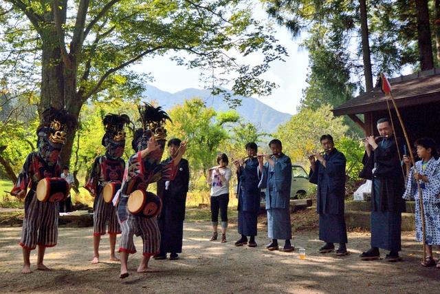 栗山の獅子舞カレンダー2014 地域の誇りを学ぶ