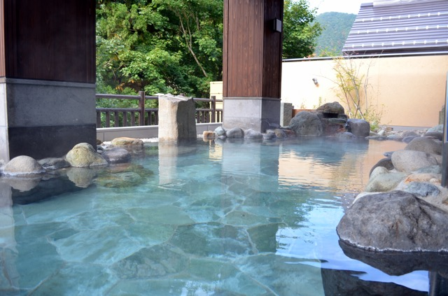 湯西川水の郷 露天風呂