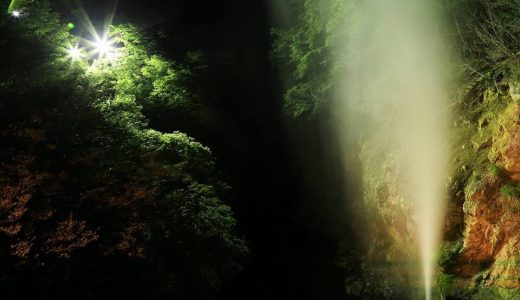 【DC2018川俣温泉 間欠泉ライトアップ&音楽会】深山の夜にうなりをあげる地域のシンボル