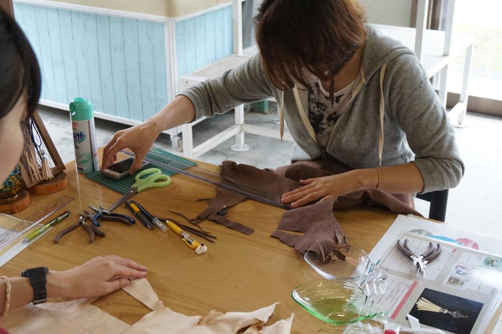 【鹿革アクセ ハンドメイド体験】自分で作るから楽しい♡優しい手触りが魅力。秋よりスタート!
