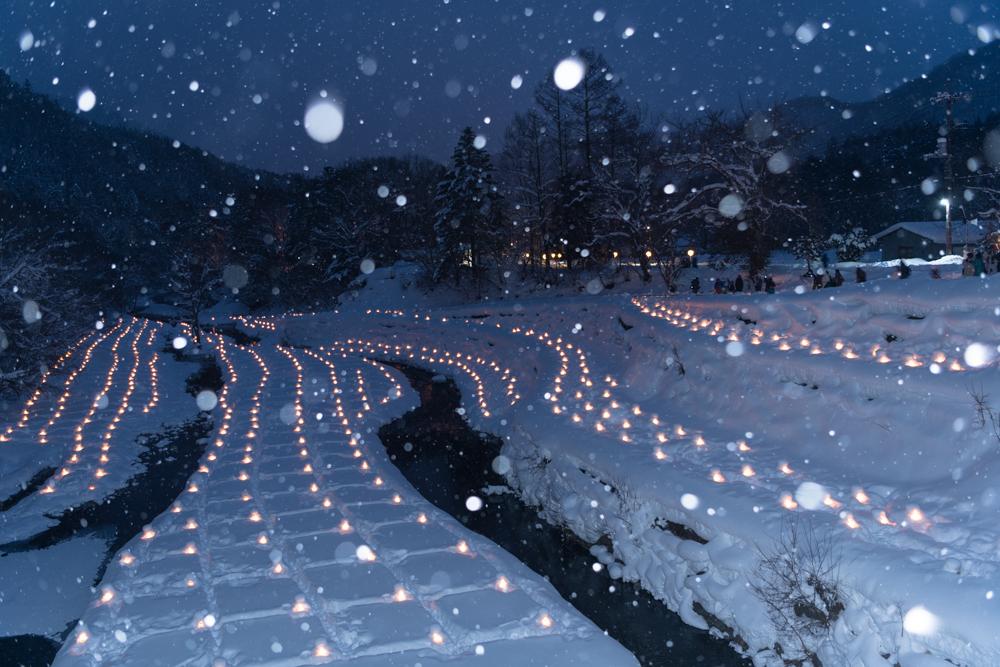 湯西川温泉かまくら祭 ミニかまくらのライトアップ