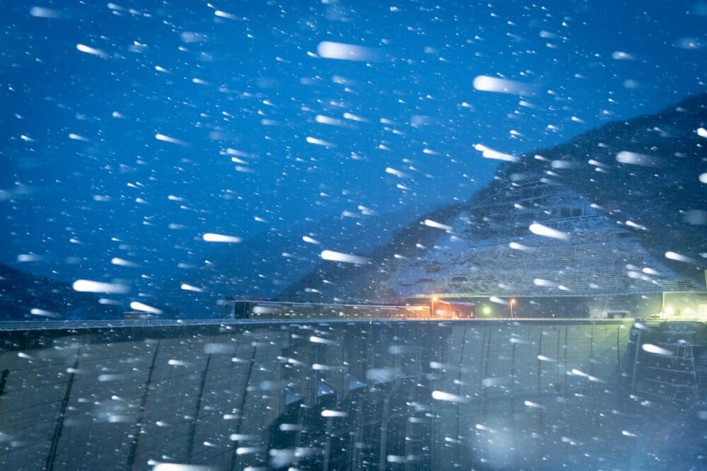 冬の夜の川治ダム