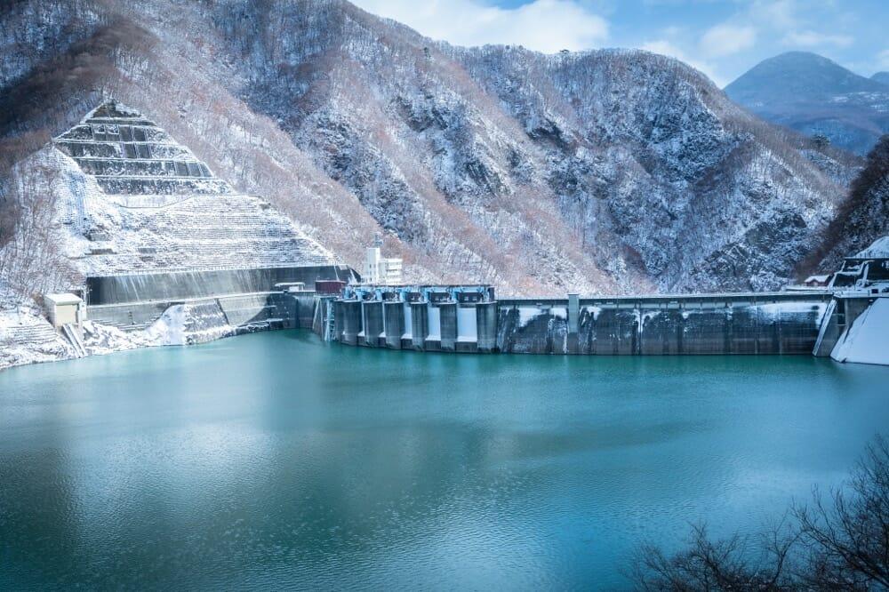 冬の川治ダム