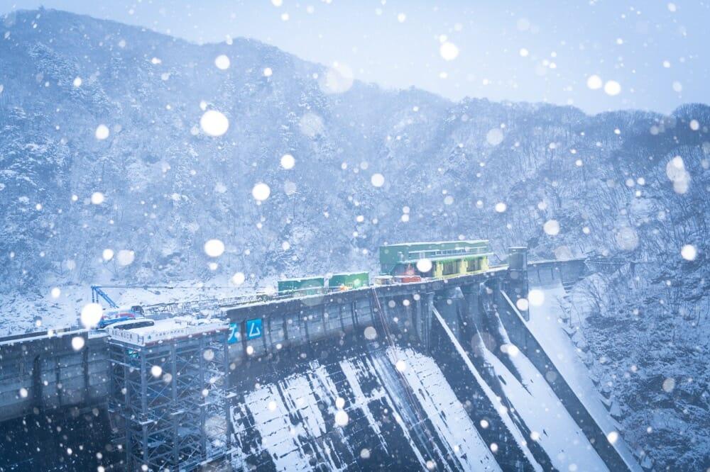 冬の五十里ダム
