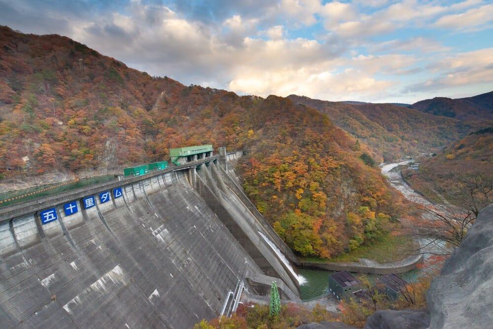 晩秋の五十里ダム