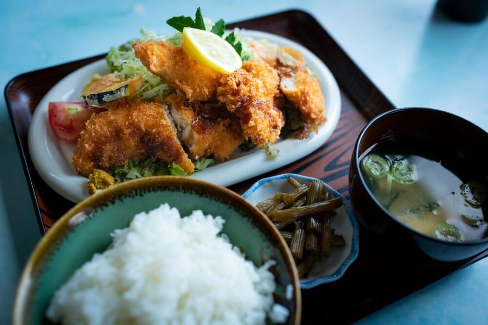 ニュー三沢 チキンカツ定食