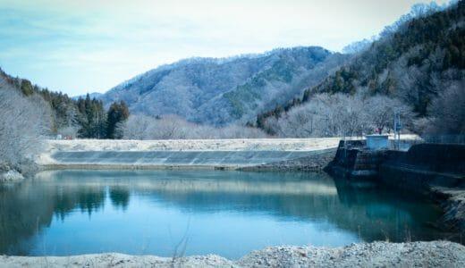 【逆川ダム】大正元年完成。日本で2番目にできた発電用のアースダム
